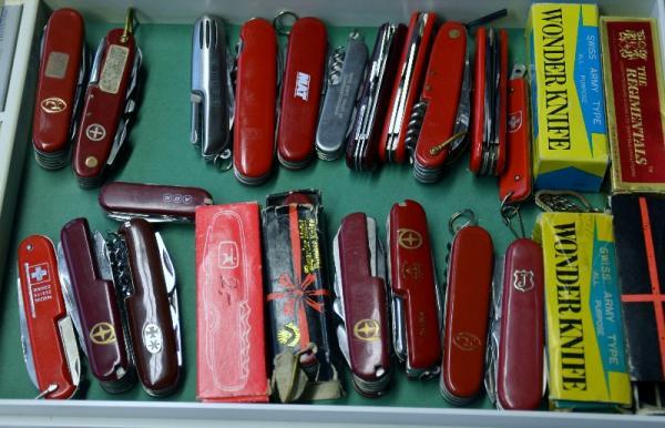 faux couteaux victorinox